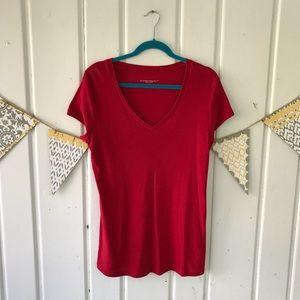5/$25 Liz Lange Maternity Red V Neck Tee Shirt